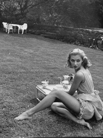 Vikki Dougan models sleepwear fashion, photo by Nina Leen, May 1952
