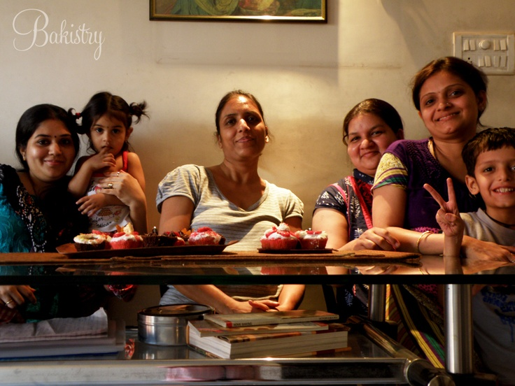 These housewives learnt cupcakes and muffins!