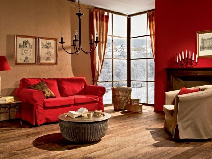 kreative wohnzimmer deko ideen - rotes sofa und gardinen ...