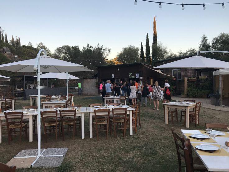A cena alla Cava di Roselle, tra musica, eventi ed una buona birra.