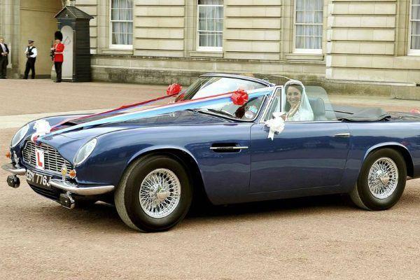 meio-de-transporte-do-casamento-carro-esportivo-principe-willian (2)
