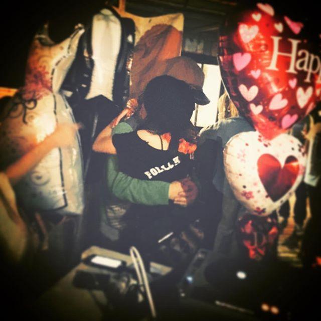 【welinachika】さんのInstagramをピンしています。 《愛に溢れた祝福❃ we love u❃  最初から 最後まで 愛の時間❃  愛の唄と共に❃ 優しい仲間と共に❃  #唐津#karatsu#greenbeachhouse#マネージャー#おつかれさま#happywedding#rickieg#愛#優しい#仲間#サプライズ#祝福#長崎#1人参戦#出会い#ギタリスト#抱負#夢#語らい#星空音楽祭#海#波#愛#音#唄#感動》
