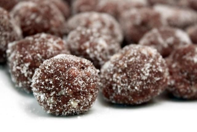 These delicious little confections are made with bourbon, vanilla wafer crumbs, and cocoa, along with pecans and confectioners' sugar. So easy and so good!