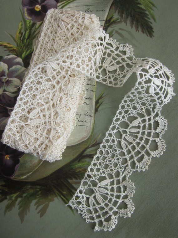 "2.5 yards of 2"" Wide Handmade Scalloped Ivory Bobbin Lace Trim, $26.00 USD"
