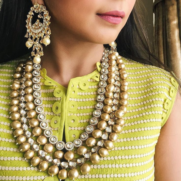 Throwback to this iconic combination. Obsessed with this necklace all over again (PS: guys these earrings are on sale!) #GoldenHourNecklace