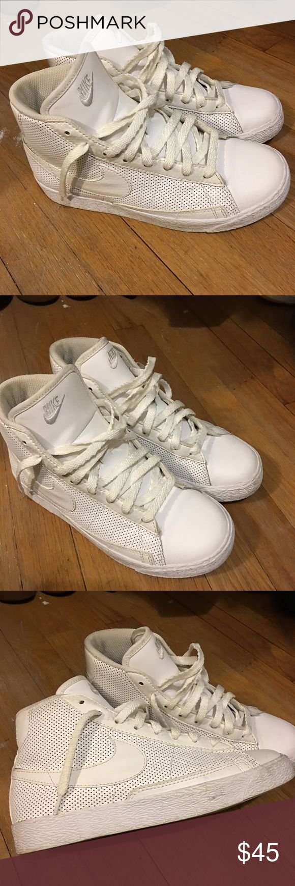 All White Nike Blazers Size 3Y in boys but I used to wear them and I am a size 6.5 in women's. It was a little hard to get my foot in and no room when my foot was actually in. I would say they could better fit a 5.5 or 6 in women's. Comment for any concerns. Nike Shoes Sneakers