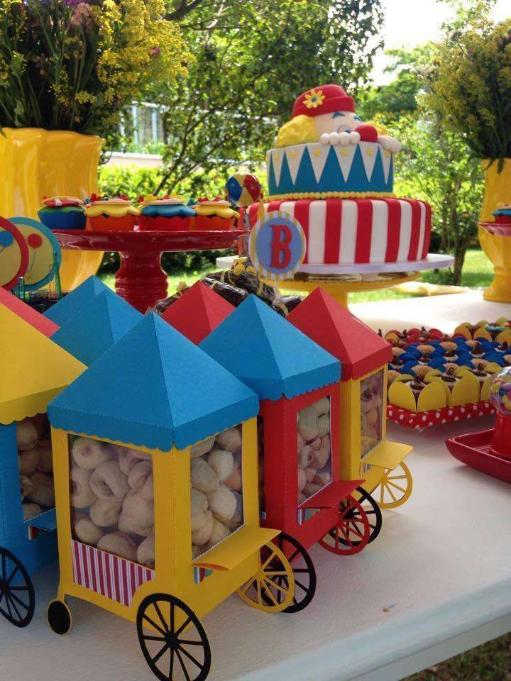 Peanut favors at a circus birthday party! See more party ideas at…