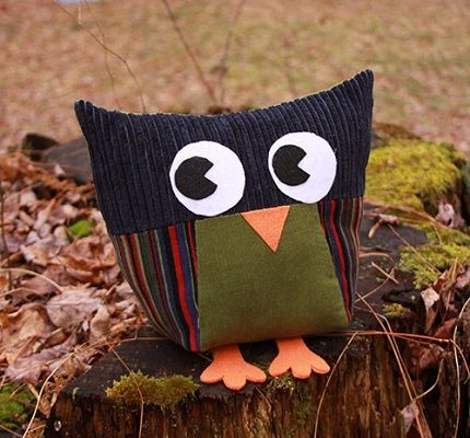 Free pattern: Owls for All softie to make with a group of kids