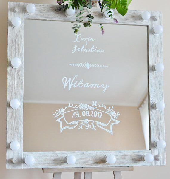 Dekoracje weselne. Lustro  tablica powitalna. Efektowny Ślub