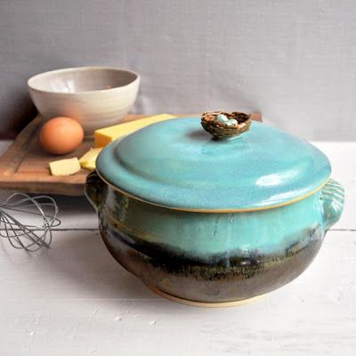Hand-thrown turquoise and brown casserole dish with bird's nest handle. Love it!: Casseroles, Bird Nests, Ceramics Pottery Sculpture, Dish Bird, Casserole Dishes, Casserole Wheel