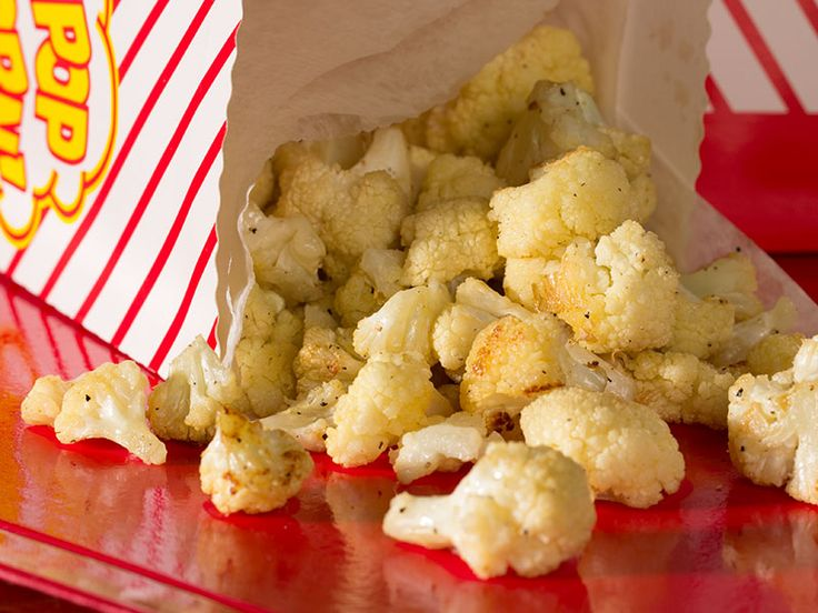 Cauliflower Popcorn | This low carb snack recipe makes a great low carb snack for kids, work, or on the go! It's a fun and easy recipe that only takes 20 minutes!