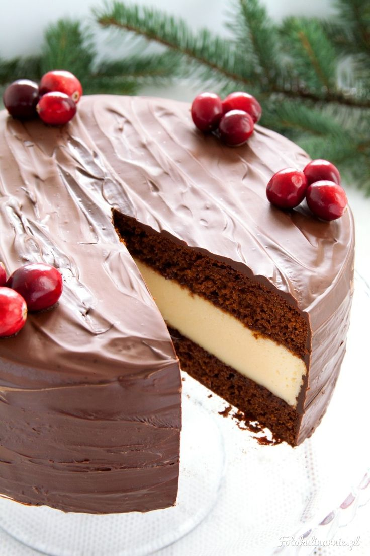 Gingerbread Cheesecake with Plum Jam covered in Chocolate - Perfect Christmas Cake.