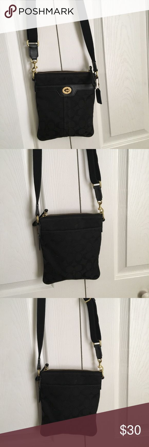 Coach Purse Black coach purse in great condition. Was marked as sold but there were shipping issues so I'm reselling it Coach Bags Crossbody Bags