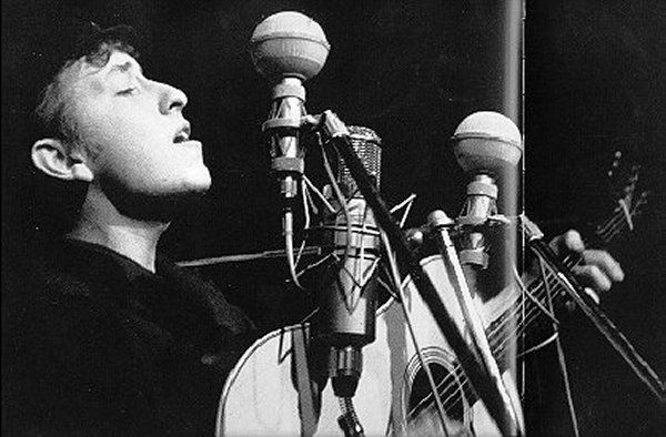 29- Bob Dylan Bitter End Club by Sig Goode 1961