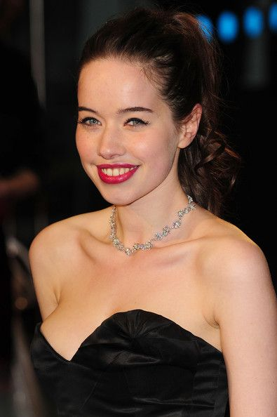 """Anna Popplewell Photos - World Premiere of """"The Chronicles of Narnia: The Voyage Of The Dawn Treader"""" - Zimbio"""