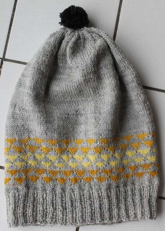 Onesize knitted hat Pattern: Garn-iture design www.garn-iture.dk