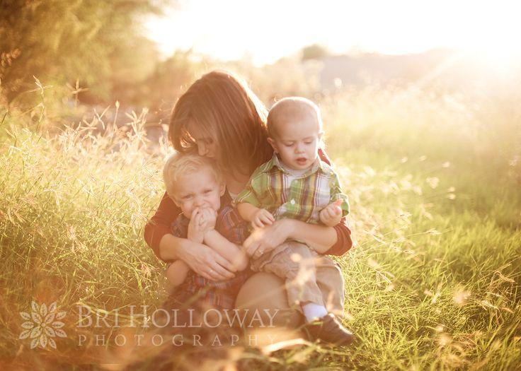 Overwhelmed   Phoenix Family Photographer - Babies, Children, Families Session - http://www.brihollowayphotography.com/2012/10/22/overwhelmed-phoenix-family-photographer/