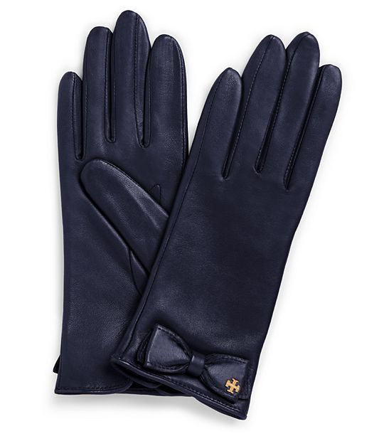 Love these Tory Burch leather bow gloves - take an additional 25% off with code:  NEWYEAR  http://rstyle.me/n/u9xkhnyg6