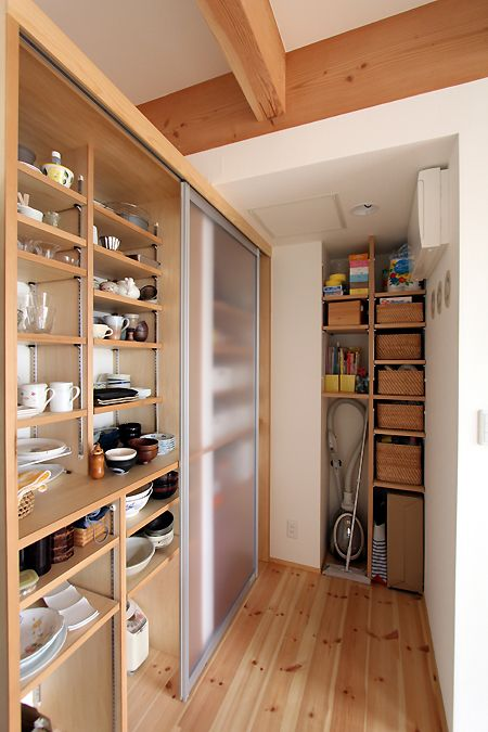 掃除機の居場所  快適かわいい収納術?! : 成長する家 子育て物語