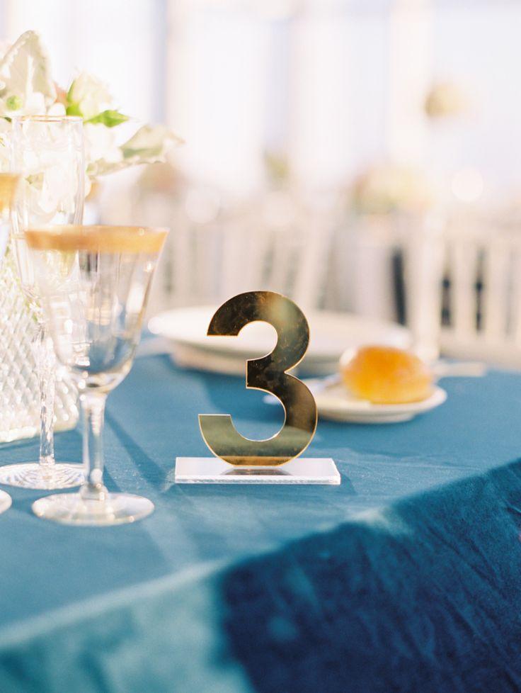 Linen Rentals: La Tavola Fine Linen Rental - http://latavolalinen.com/ Event Design: CCL Weddings & Events - http://www.stylemepretty.com/portfolio/christina-lee Wedding Planning: CCL Weddings & Events - http://www.stylemepretty.com/portfolio/christina-lee   Read More on SMP: http://www.stylemepretty.com/2017/02/16/modern-la-rooftop-wedding/