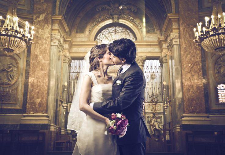 アイディア次第で大変身!バージンロードをロマンチックに飾り付けするためのアイテムまとめ