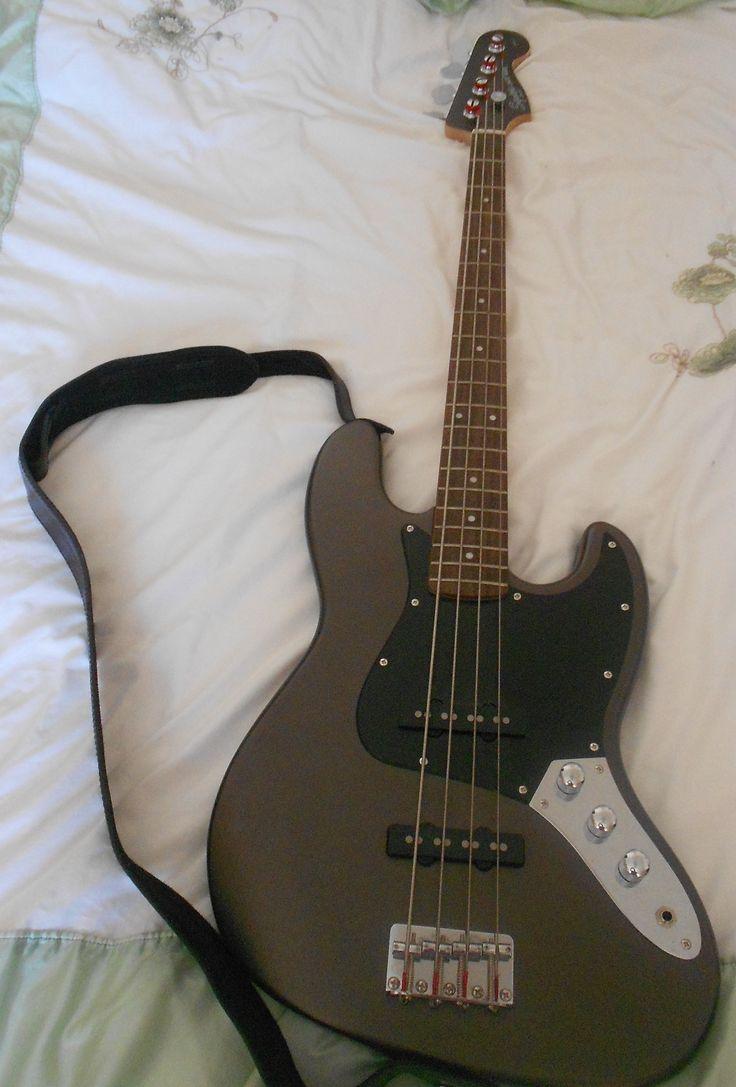 Fender Squier klassischer modifizierte 70s Jazz E-Bass