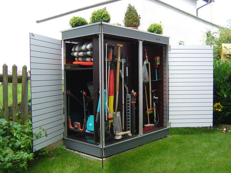Der perfekte Gartenschrank für kleine Gärten. Jeder Kubikzentimeter Stauraum wird genutzt!