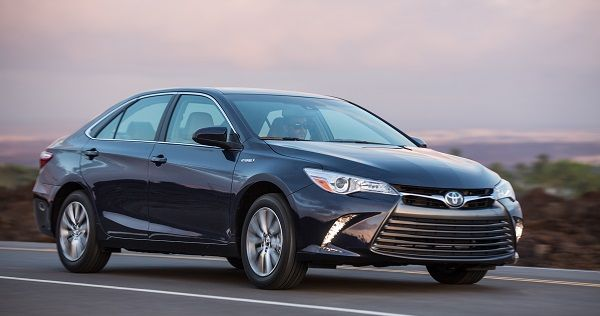 2015 Toyota Hybrids safer than electric vehicles