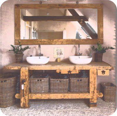 Oude werkbank op de badkamer.  Www.werkplaats35.nl