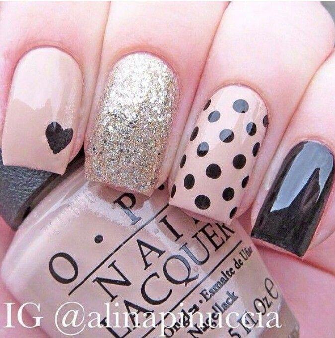 Decoración de uñas polifacéticas... Me fascina la combinación!