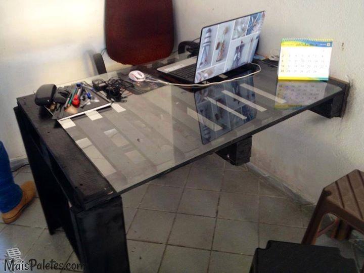 Secretaria de Escritório feita com paletes