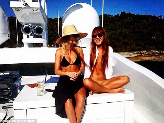 Lara Bingle catches up with best pal and fellow new mum Vicki Lee