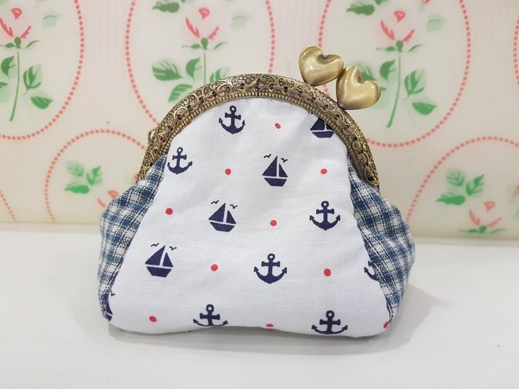 Another hamdmade puffy purse onboard....