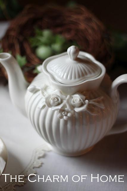 Very pretty white teapot
