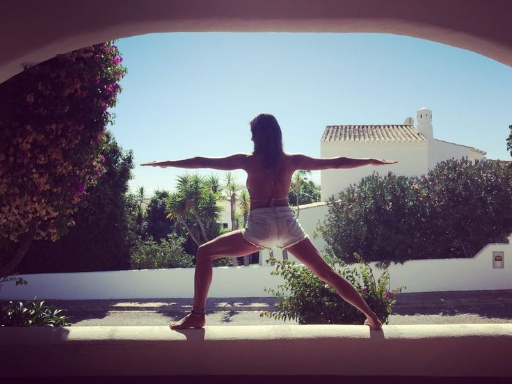Yoga – postura: Virabhadrasana | Love Cuca | Blog oficial da fadista Cuca Roseta