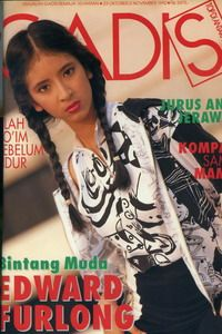 Model:Novita Angie, Alumni GADIS Sampul 1992, actress and presenter.  GADIS 28/1992 #GADIS40TH