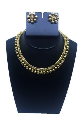 Beads Choker with floral ear rings