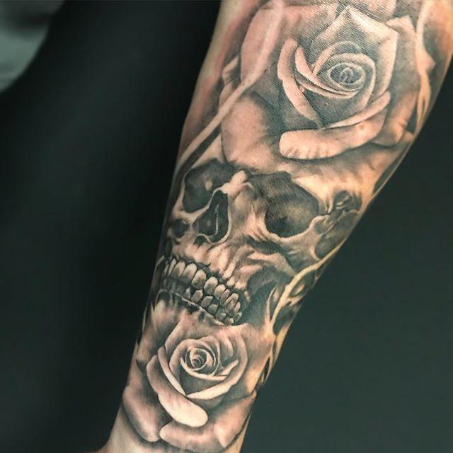 Mike Sklaventitis Black Grey Realism Tattoo Artist At Monumental Ink Skull Sleeve Tattoos Skull Rose Tattoos Rose Tattoo Sleeve