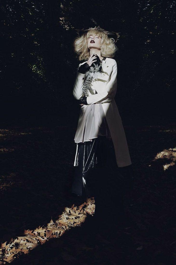 For Miasto Kobiet magazine Coat: Boska by Eliza Borkowska photo: Koty 2 model: Nika @Julia Danilevsky stylist: Anna Jandura stylist assistant: Kazik Stolarczyk hair: Ania Stach makeup: Julia Hlebówna