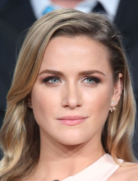 Shantel VanSanten Photos - Winter TCA Tour: Day 5 - Zimbio