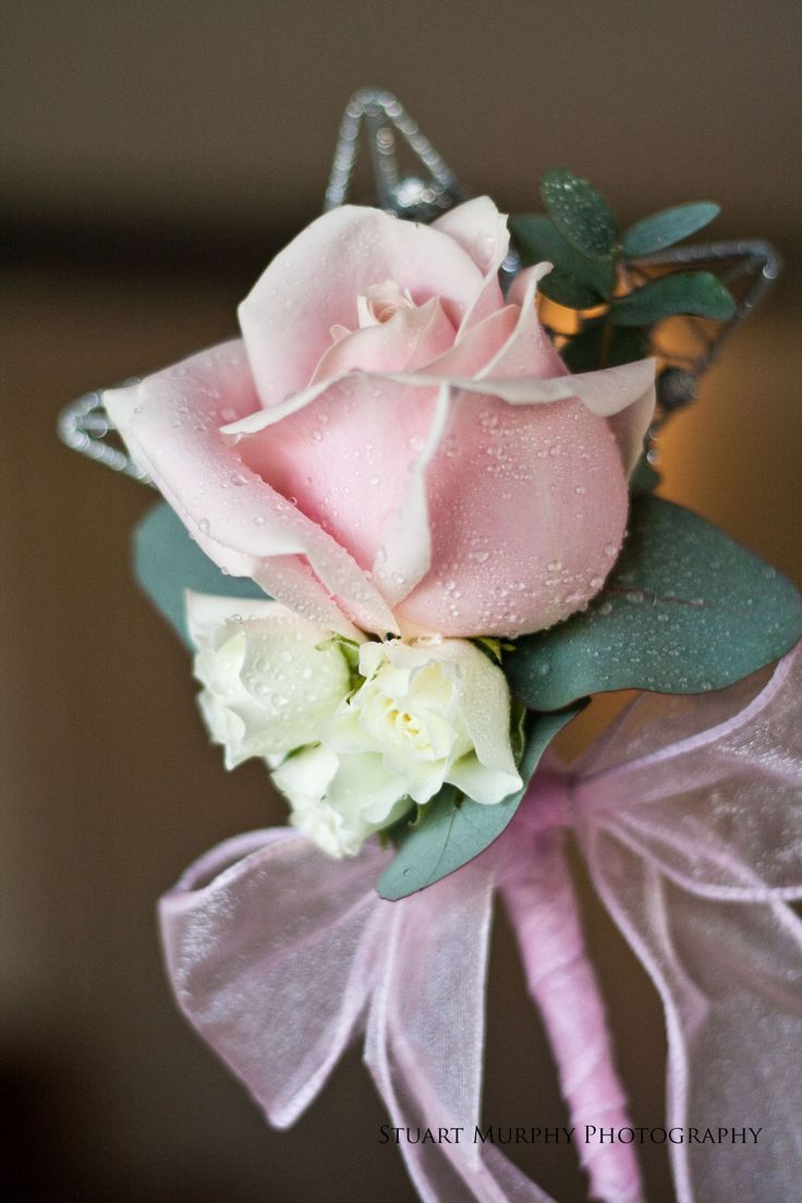 Flower girl floral wand with pale pink rose.  www.stuartmurphyphoto.co.uk