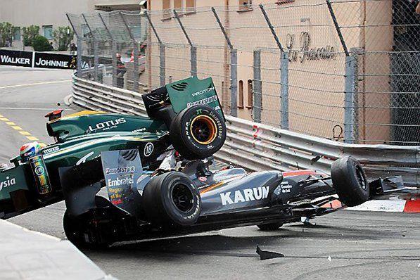 Race control - Karun Chandhok (IND) Hispania Racing F1 Team (HRT) HRTF1 and Jarno Trulli (ITA) Lotus T127 crash.  Formula One World Championship, Rd 6, Race, Monaco Grand Prix, Monte-Carlo, Monaco, Sunday, 16 May 2010