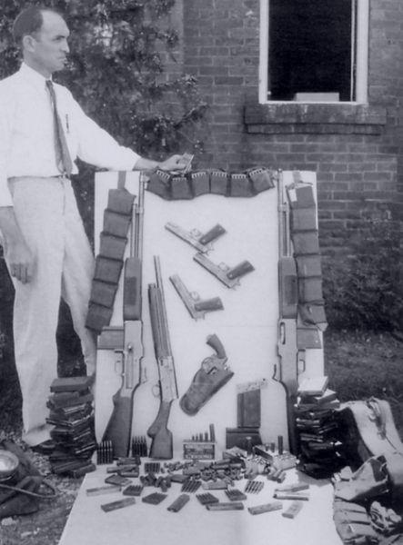 Clyde Barrow death car arsenal