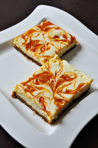Apricot Swirled Cheesecake Bars