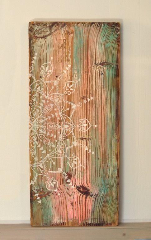 Eva Lubart – Malerin & Grafikerin – Malerei auf altem Holz Mandala