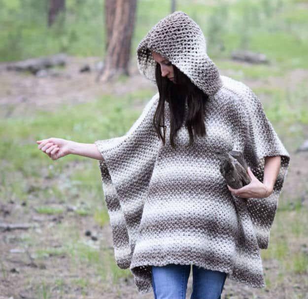 Oversized Crochet Hooded Poncho | Easy Crochet Poncho Patterns for Women | Crochet Projects