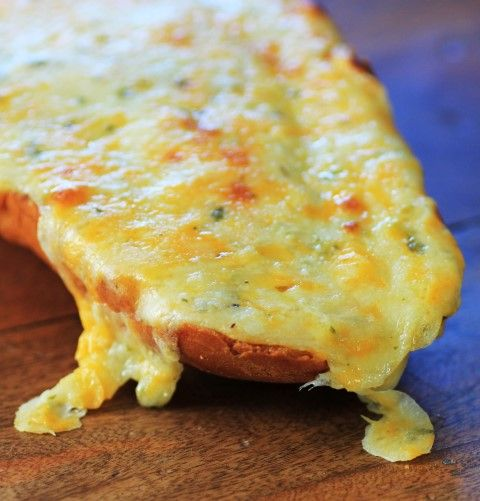Cheesy Bread by Noshing Wtih The Nolands