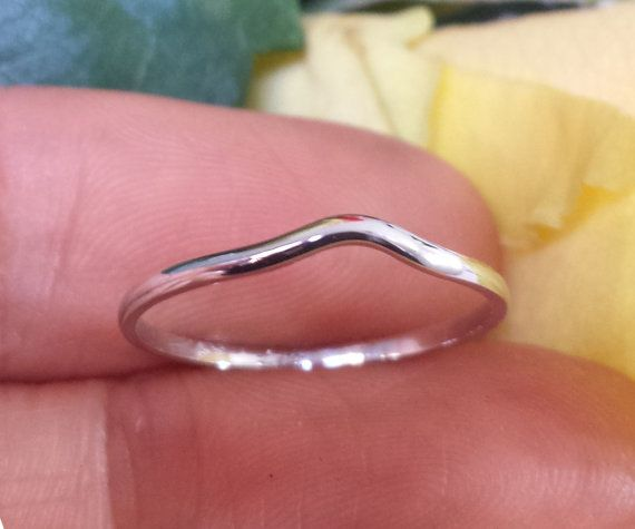 Curved Wedding Band Er Ring 14kt Notched By Formontejewellery