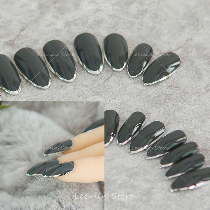Babcia szary wskazał srebrny krawędzi długiej końcówce fałszywe paznokcie paznokci