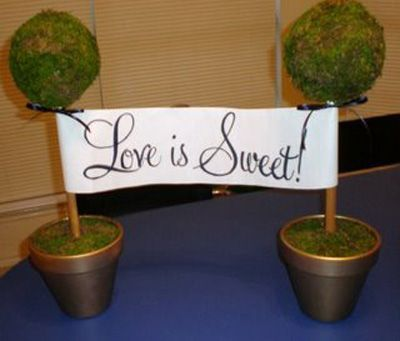 DIY wedding sign topiary